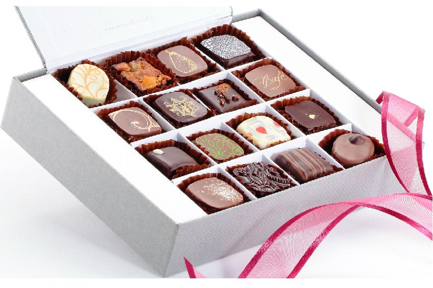 Boîte 16 chocolats assortis
